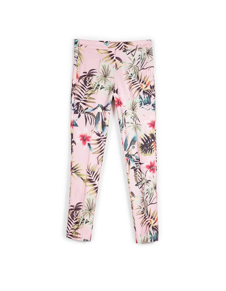 At Stradivarius you'll find 1 Tropical print trousers for just 19.99 United Kingdom . Visit now to discover this and more Trousers.