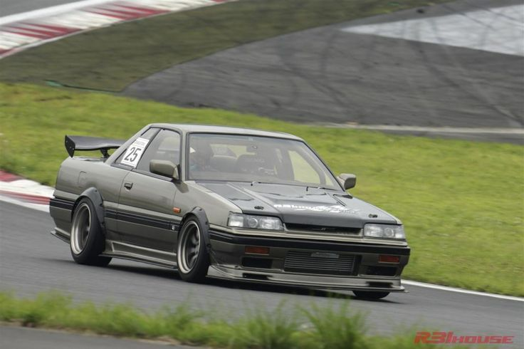 R31 House Millennium Jade painted Skyline hitting the track with a vengeance on RS Watanabes..