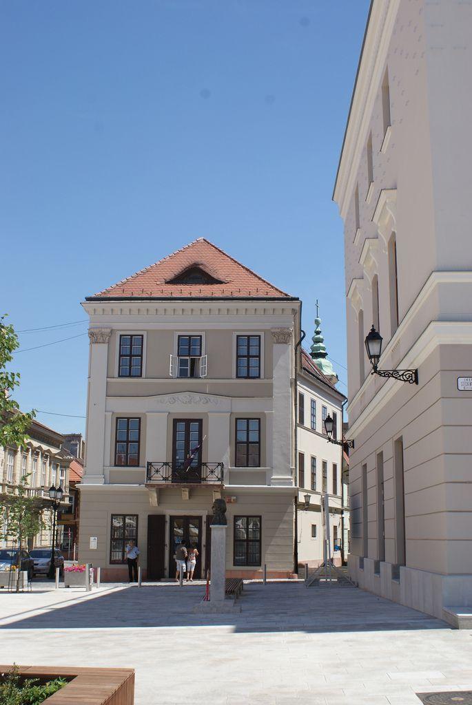 https://flic.kr/p/8iTCdf | Győr Széchenyi Square