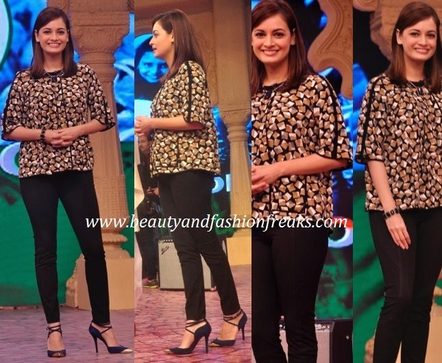 The other celebrity in attendance at the recent NDTV event was Dia Mirza. Like Priyanka she too sported a Zara top at the event. She completed the look with black fitted pants, matching beaded necklace and bracelet and Cap-toe pumps. Dia looked super cute and chic but I guess she could have skipped the necklace here as it is adding nothing to the look.
