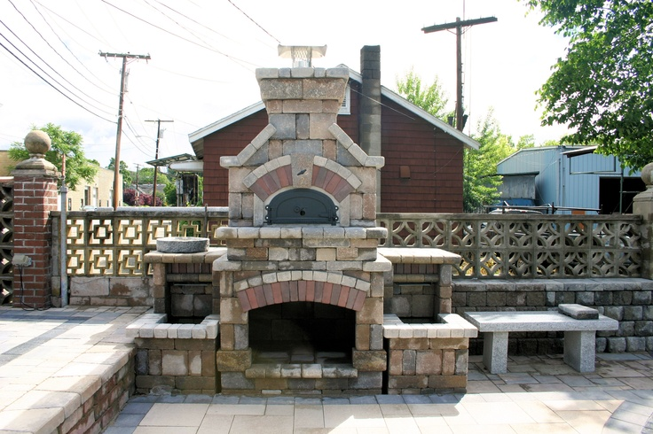 Unilock Tuscany Sierra Fireplace with a Pizza Oven and ...