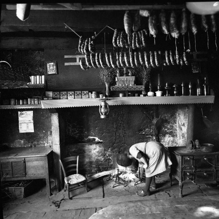 Atelier Robert Doisneau  Galeries virtuelles desphotographies de Doisneau - L'Auvergne