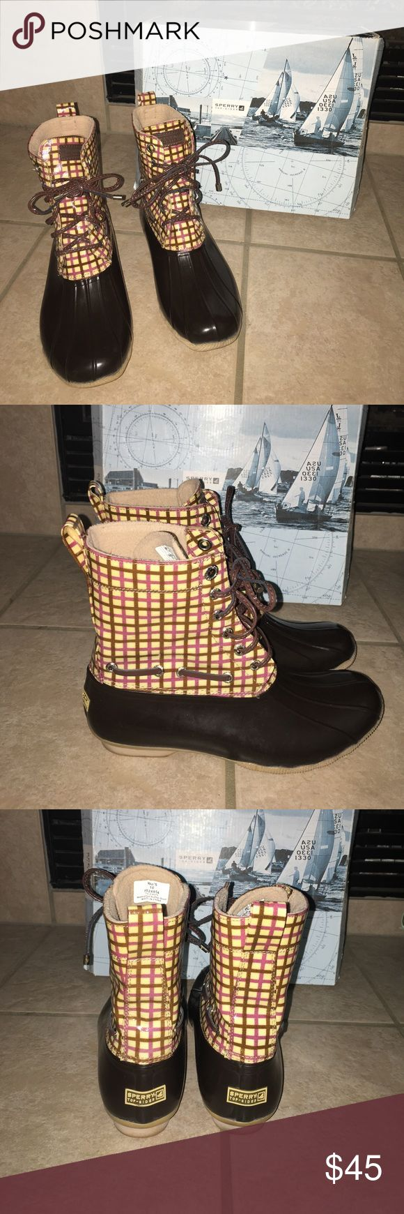🆕 Listing Sperry Top Sider boots Gently used boots in great condition. Worn a few times. Very comfortable boot. Sperry Top-Sider Shoes Winter & Rain Boots