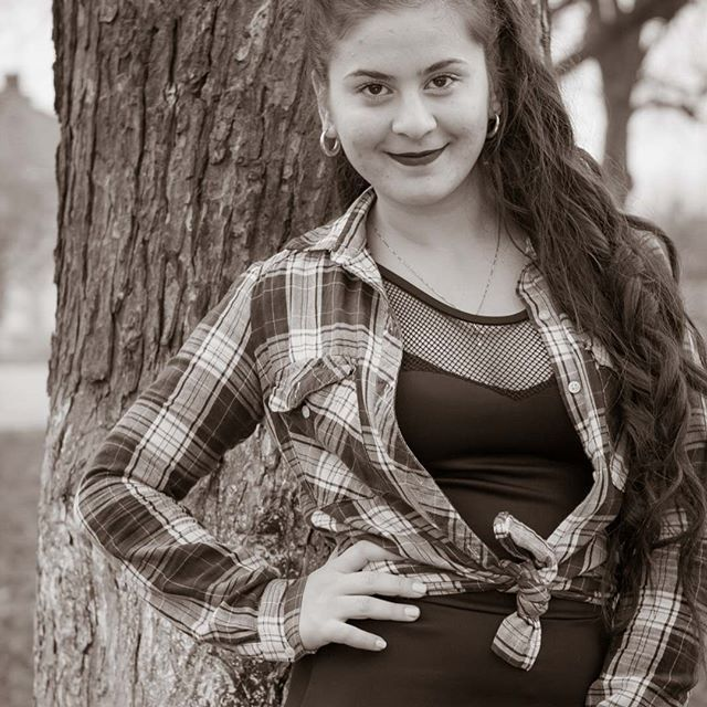#black #white #day #naturalight #photography #photographylover #photographer #photoshoot #photopose #photographyislife #girl #girlphotography #dslr #romania