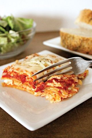 5 Easy Recipes Your Kids Will Love: Creamy Chicken Lasagna-- Lasagna looks easy to make--could to use low-fat cheeses to cut calories