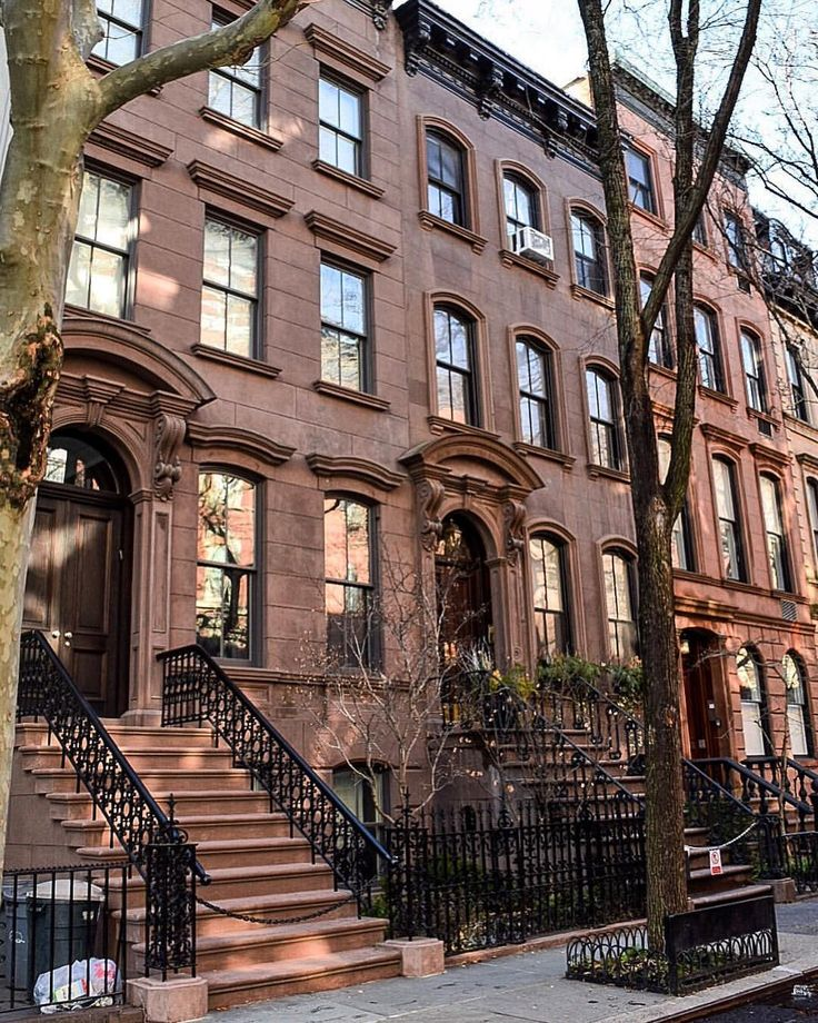 Carrie Bradshaw's apartment New York