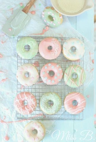 ... mini baked donuts ... (Candy Cake)