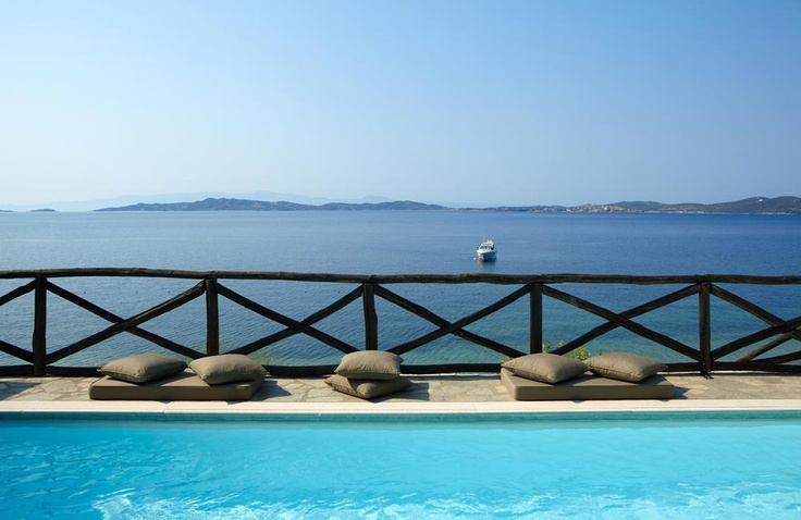 Pool at @ http://www.eaglespalace.gr
