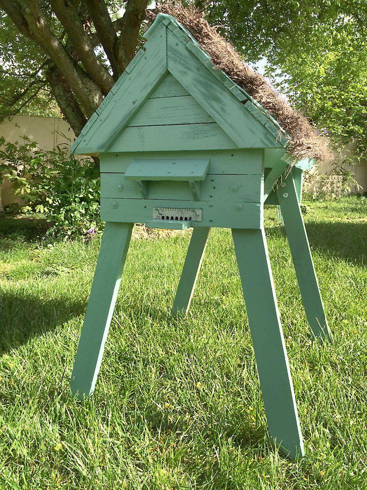les 46 meilleures images du tableau beehive sur pinterest apiculture abeilles et ruches. Black Bedroom Furniture Sets. Home Design Ideas