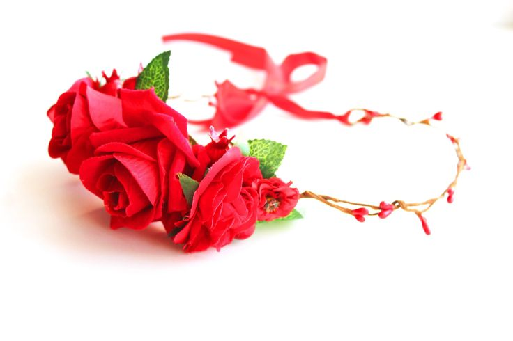 Купить или заказать ободок венок из цветов из пионовидных роз в нежных тонах, яркий, розовый, белый, голубой с ягодами из лаванды венок для невесты ободок из цветов для невесты цветы ободки гребешки нежный гребень. Колье из цветов