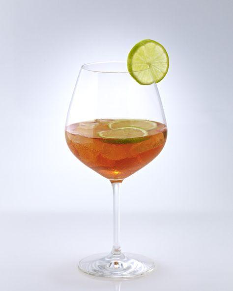 Unser beliebtes Rezept für Cocktail-Klassiker: Aperol-Sprizz und mehr als 55.000 weitere kostenlose Rezepte auf LECKER.de.
