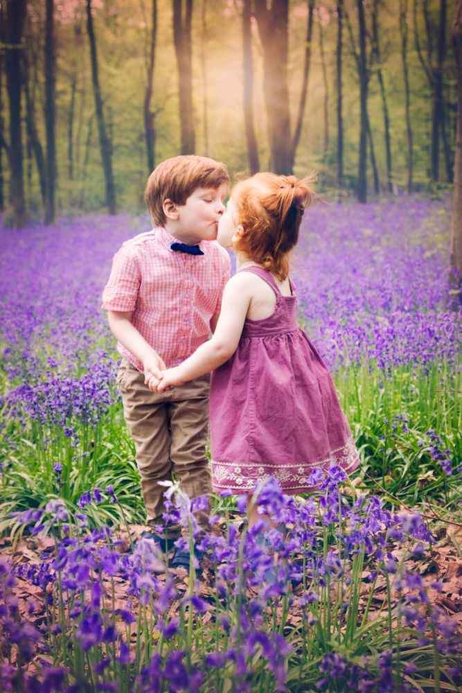 bluebell mini photo shoot| bluebells| sibling photo| hampshire