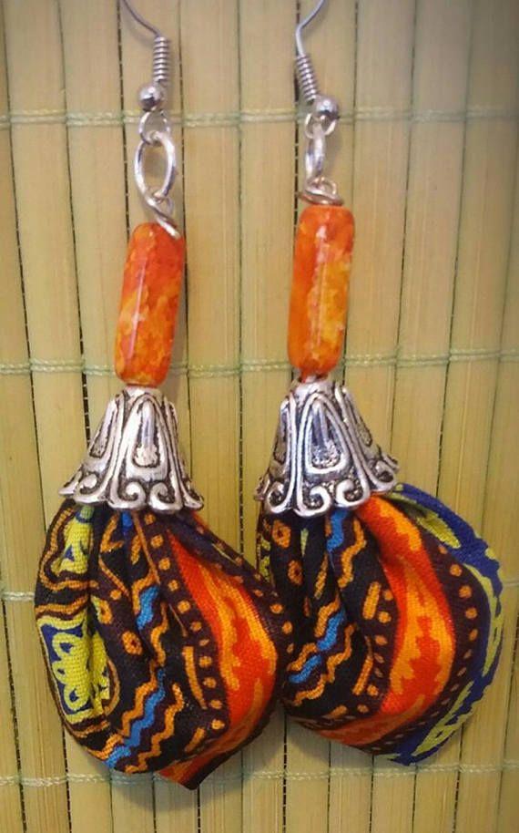 Pendientes grandes cera naranja, amarillo, azul... Lazo de plata y ornamentos.  Creaciones originales y únicos hechos totalmente a mano.  Una idea de regalo perfecto para el día de la madre
