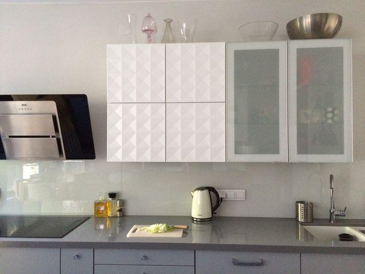White and gray kitchen IKEA herrestad + veddinge