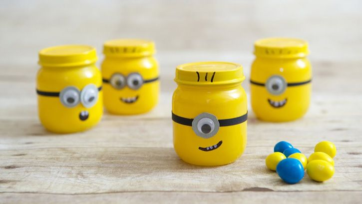 Need to make these minion party favors for Alex!!! Made with spray paint, google eyes and baby food jars.