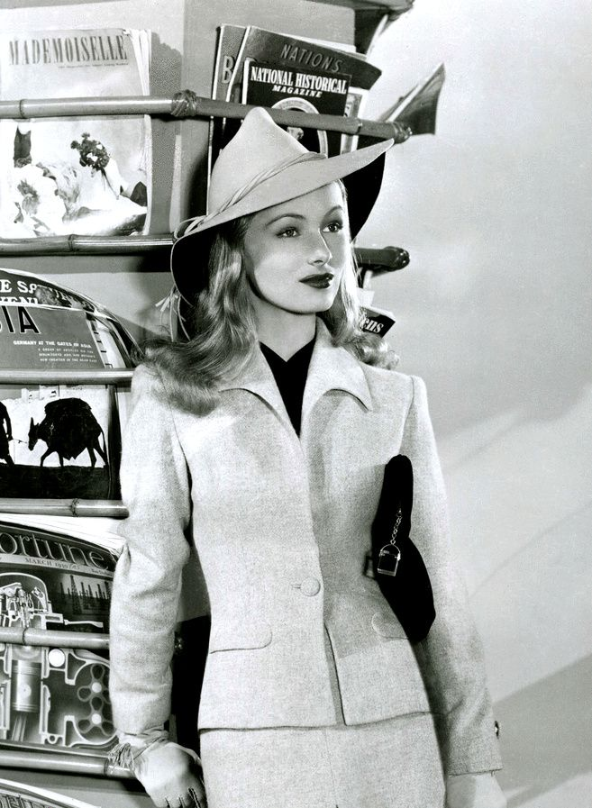 Veronica Lake: one of the most beautiful woman ever with a hauntingly sad story