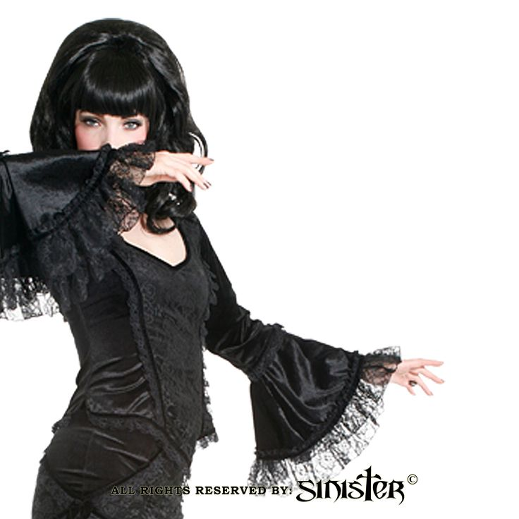 Velvet and lace gothic bellsleeve top by Sinister (Top 868) www.sinister.nl