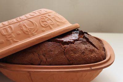 Cupcakesfluffan: Grovt bröd i lergryta
