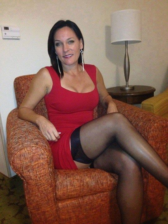 Tighs pantyhose flashing