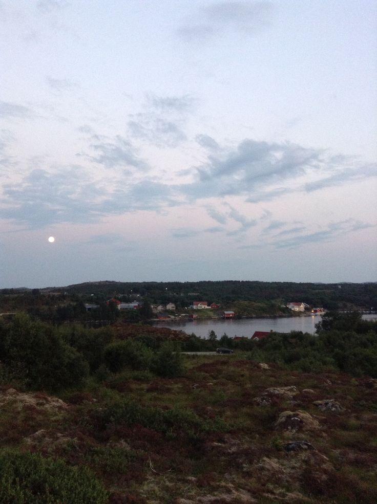 Dolmøya 12 juli kl.00.04 2014