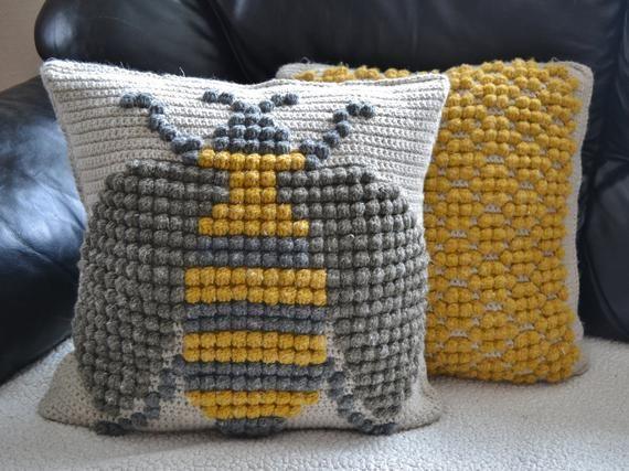 crochet pattern bumble bee throw pillow