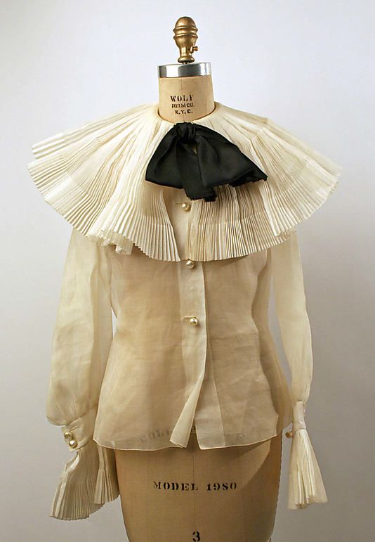 Blouse  House of Dior     Designer:Marc Bohan   Date:1967