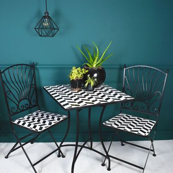Mosaic Bistro Set Black And White Check With Black 400 x 300