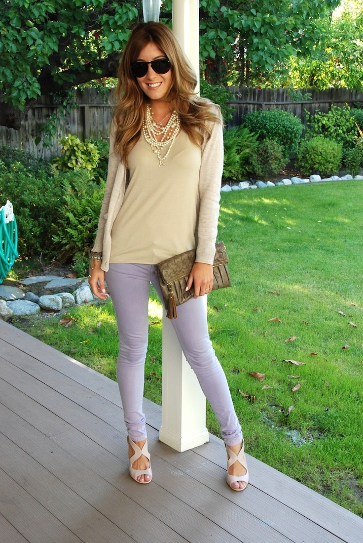 lilac denim: En Jeans, Lilacs Denim, Fashion Statement, Fashionista, Glasses, Fashion Forward, Dresses, Purple Pants, Flying Style
