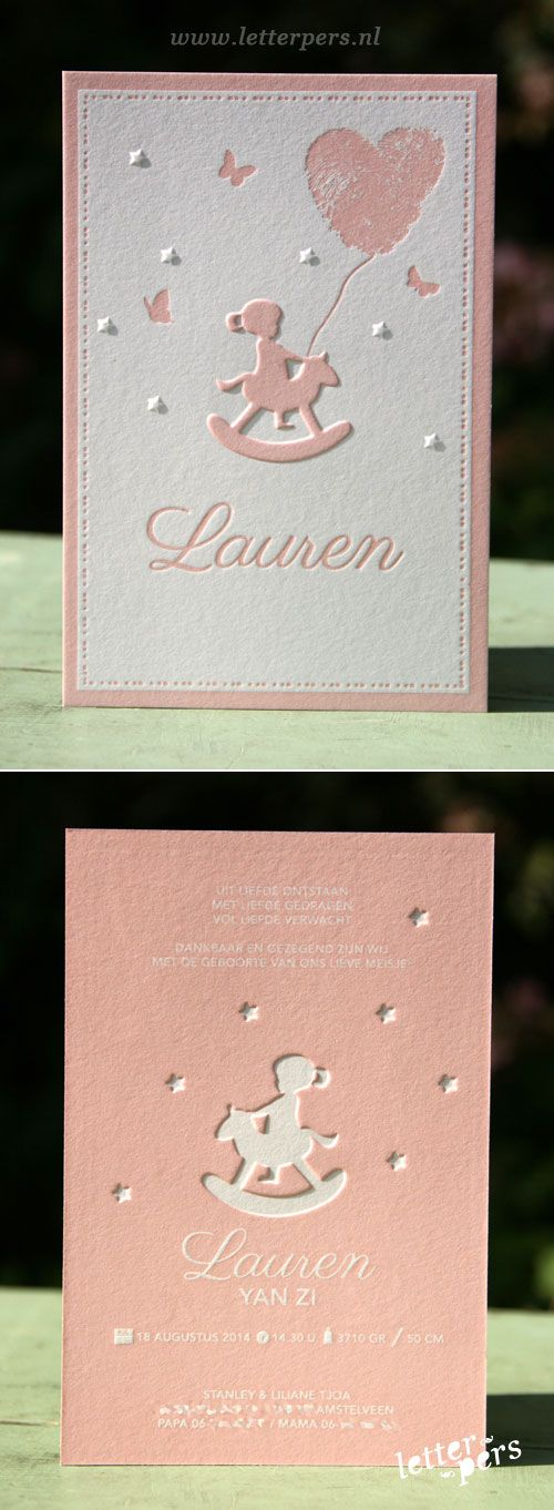 letterpers_letterpress_geboortekaartje_Lauren_hobbelpaardje_meisje_vlinders_vingerafdrukken_relief_sterren