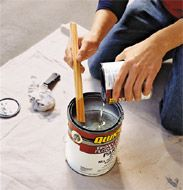 Quelques conseils pour peindre du carrelage au sol. http://www.batilogis.fr/dossiers/comment-peindre-du-carrelage-au-sol-_20.html