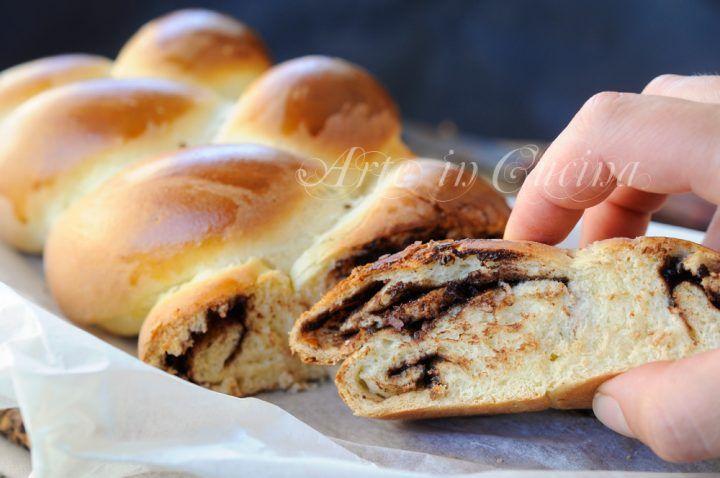 Treccia brioche dolce alla nutella soffice , senza burro e olio, facile, pan brioche da merenda o colazione, con nocciolata e cioccolato fondente, dolce lievitato