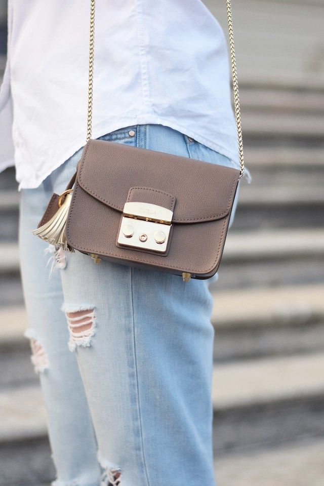 7 Ways To Wear: Crossbody Bag Furla Metropolis Diano - Glittery Peonies