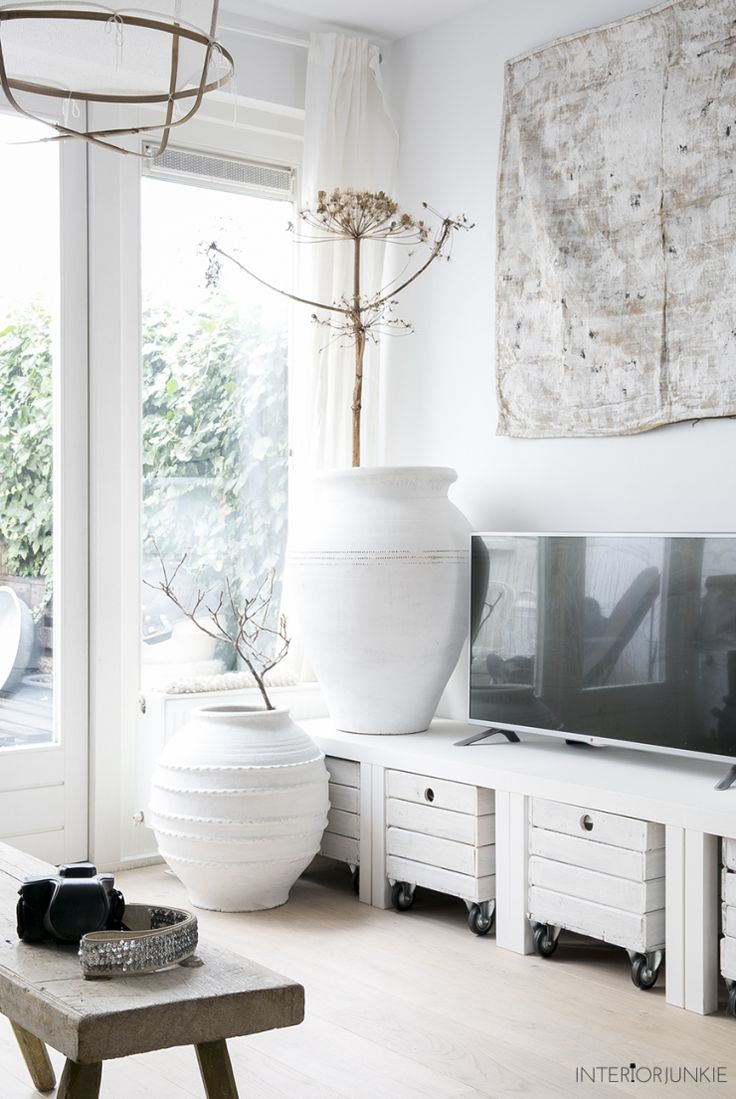 decordemon: A Dutch home with natural materials and a perfect Scandi style