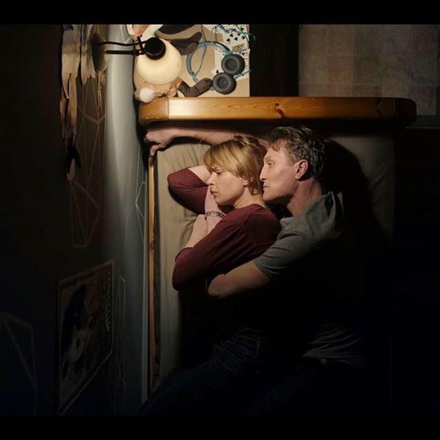 Netflix Dark Darknetflix Thebest Elder Now Ulrich Katharina Nilsen Lie Bed Love Regram Via Dark Netflix Spoilers Netflix Mind Blown Fan Art