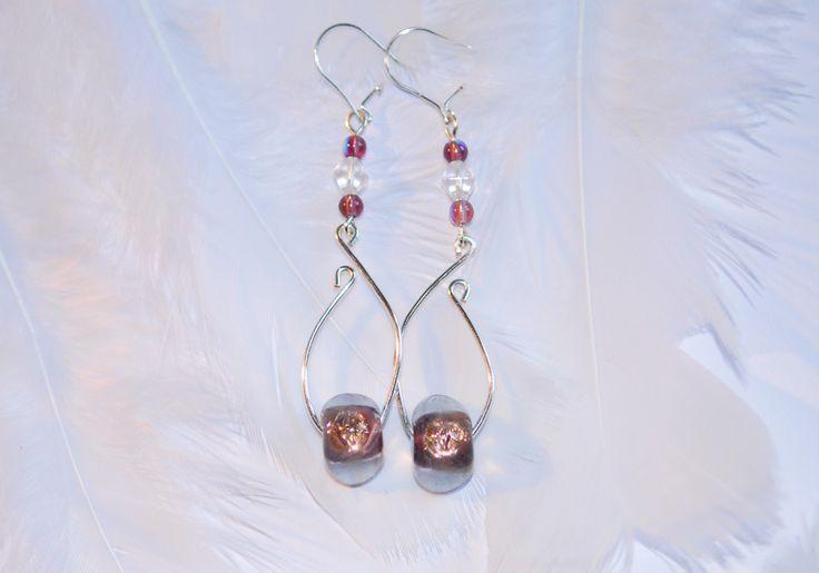 """Boucles d'oreille """"feuille"""" en plaqué argent perle de verre forme triangle : Boucles d'oreille par 1-fil-2-perles"""