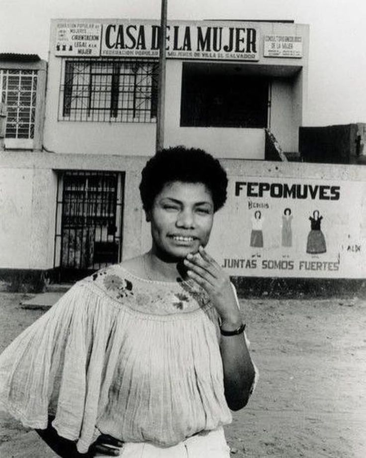 """ María Elena Moyano Delgado November 1960 – February was a Peruvian community organizer and activist of Afro-Peruvian descent who was assassinated by the maoist Shining Path (Sendero Luminoso) insurgent movement. Modern History, Black History, Black Panther Pics, Afro, Celebrity Travel, African Diaspora, Women In History, Look At You, Funny Art"