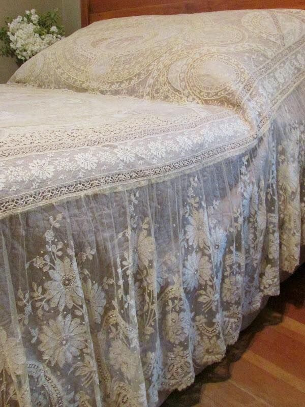 ☆Antique FRENCH Normandy LACE Coverlet c1900 bedspread
