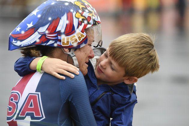 Durante a prova de ciclismo de estrada nos Jogos Olímpicos do Rio de Janeiro, o…