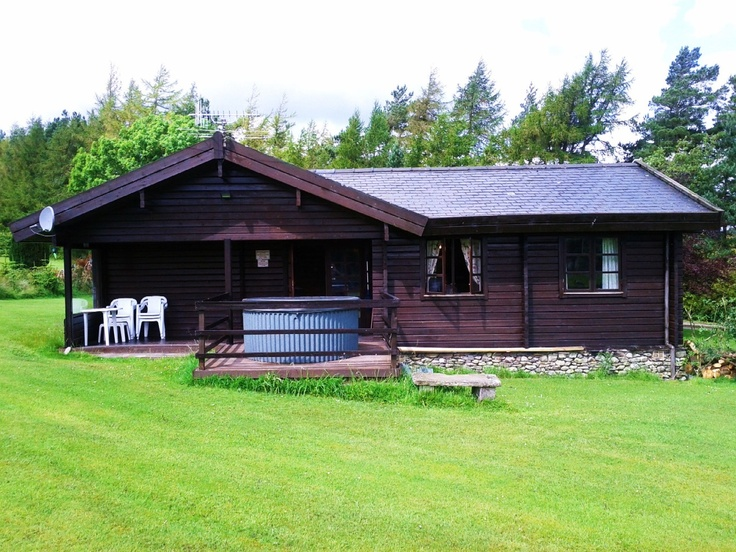 £625 Log CABIN LAKE DISTRICT inc hot tub and lots of grassy area