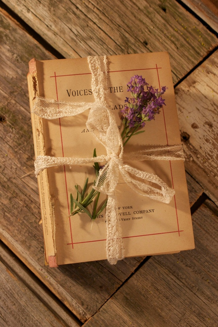 29 Best Vintage Books And Wedding Decor Images On Pinterest