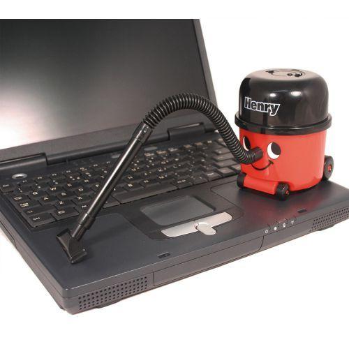 Der Mini Staubsauger Henry ist eine süße und dazu nützliche Geschenkidee für alle, die ihre Tastatur schnell und einfach von Krümeln und Staub befreien möchten.