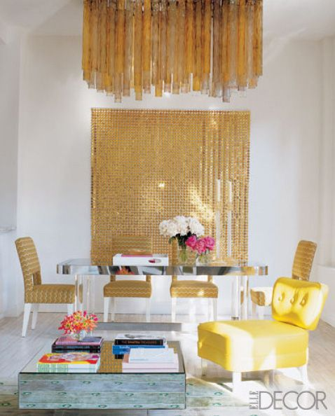 La Dolce Vita: Dream Home: Belle Maison  I like the backdrop gold!! Silver would be good too!!
