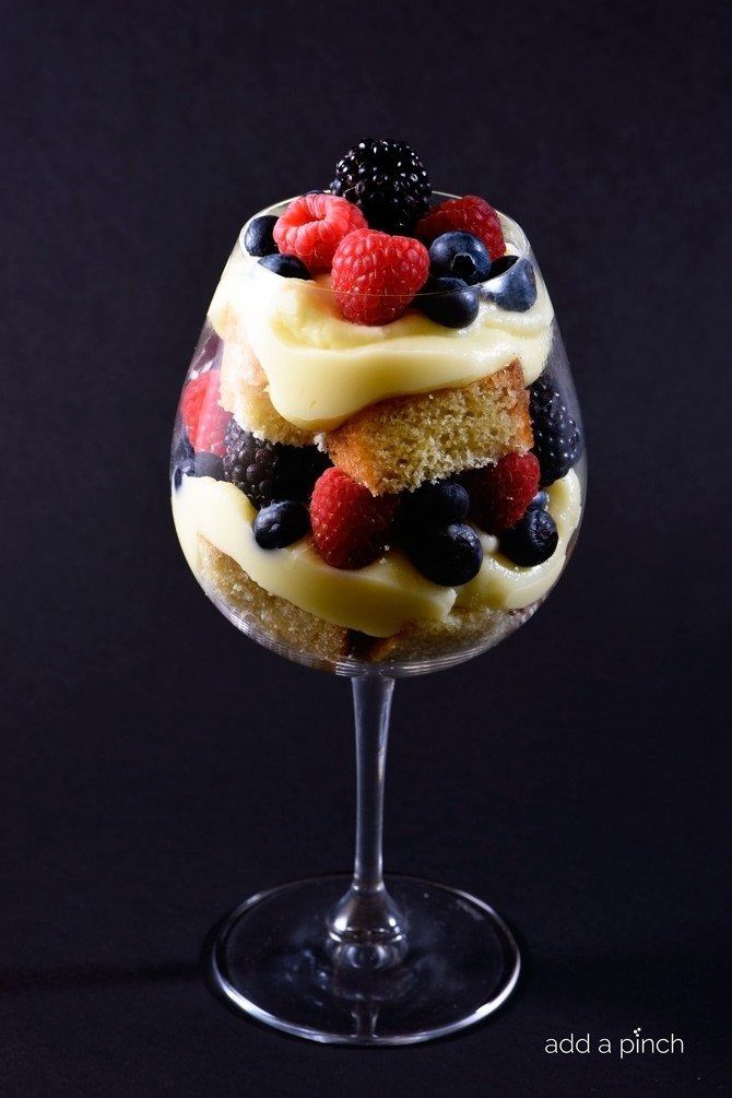 This mixed berry trifle recipe couldn't be simpler or more delicious! // addapinch.com