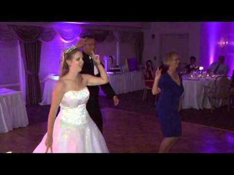 Mom Gets Involved In Father Daughter Dance After Dad Bride Get A Through The First