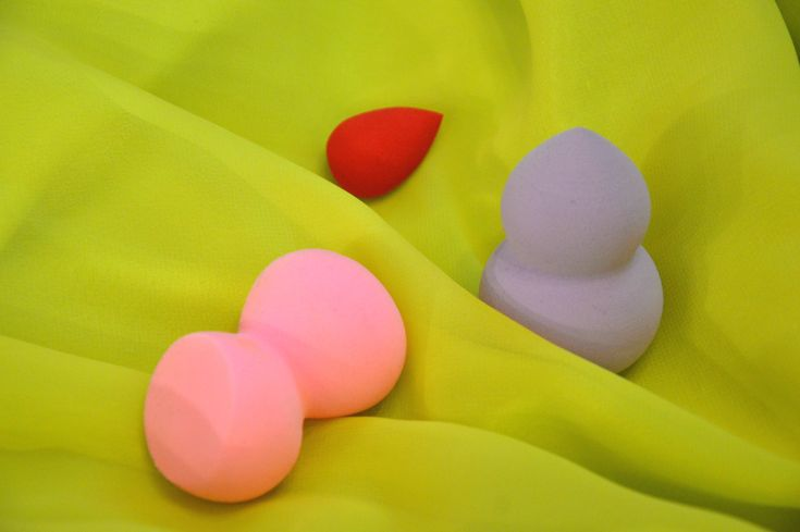 USE YOUR BEAUTY BLENDER LIKE NEVER BEFORE   Aarushi Jain