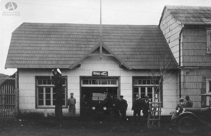 Agencia Ford de Primo Capraro, Bmé Mitre y Quaglia, Año 1922 (Col Capraro en Archivo Visual Patagónico)