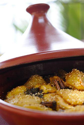 Тажин из курицы с медовыми грушами и корицей