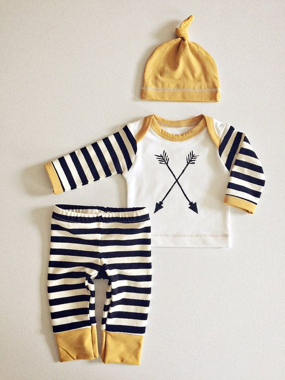 Newborn Baby Boy Coming Home Outfit Boys by RockingHorseLane. http://www.creambebe.com