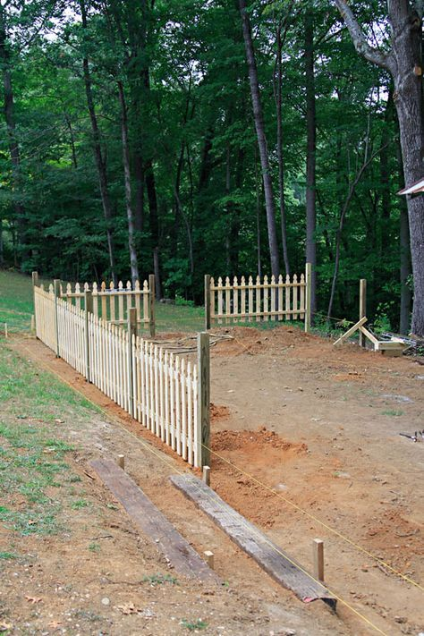 974 best images about fences and gates on pinterest iron gates fence design and white picket. Black Bedroom Furniture Sets. Home Design Ideas