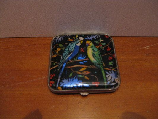 1920s GWENDA Powder Compact England by ChinaAndOldStuff on Etsy, $85.00